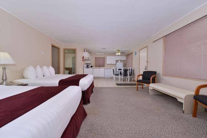 加拿大超值套房旅館 - 威農 - 弗農(加拿大) - 臥室