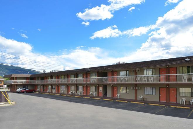 加拿大超值套房旅館 - 威農 - 弗農(加拿大) - 建築