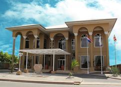 シェバ ホテル - パラマリボ - 建物