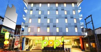 Pop! Hotel Malioboro - Yogyakarta - יוגיאקרטה - בניין