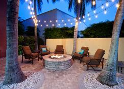 Staybridge Suites Naples-Gulf Coast - Naples - Patio