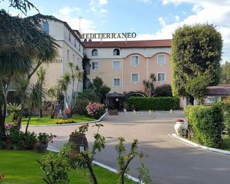 Hotel Mediterraneo - Qualiano - Gebouw