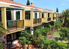 Elia Apartments - Afytos - Edificio