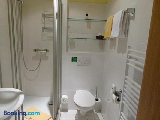 Hotel Holzhauer - Bad Wildungen - Bathroom