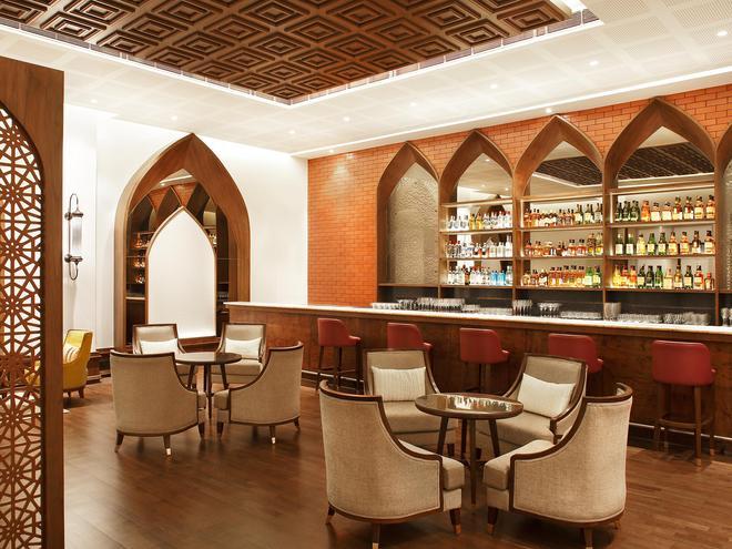 Taj Mahal Lucknow - Lucknow - Bar