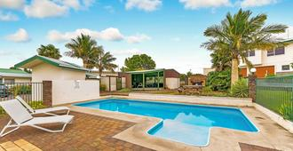 Cottage Park Thermal Motel - Tauranga - Bể bơi