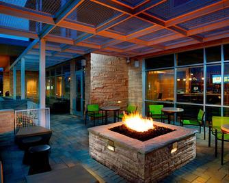 SpringHill Suites by Marriott Dayton Beavercreek - Beavercreek - Terasa
