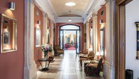 Ea Embassy Prague Hotel - Prague - Lobby