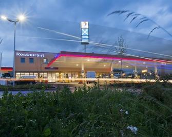 Euro Rastpark Zum Eichenzeller - Eichenzell - Building
