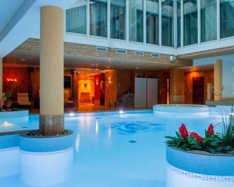 Grand Rose Spa Hotel - Arensburg - Pool