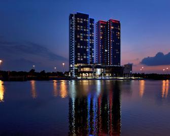 ibis Abu Dhabi Gate - Abu Dhabi - Building