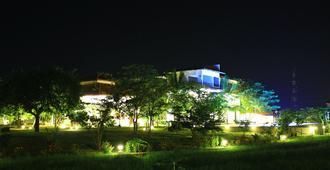 Hotel Freedom Village - Dambulla - Vista del exterior