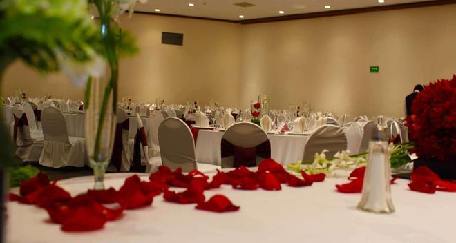 Best Western Plus Gran Hotel Morelia - Morelia - Banquet hall