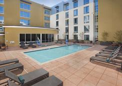 Hilton Garden Inn Burbank Downtown, CA - Μπέρμπανκ - Πισίνα