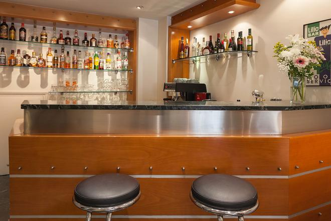 Lilia Hotel - Piraeus - Bar