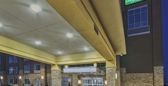 La Quinta Inn & Suites by Wyndham Niagara Falls - Niagaran putoukset