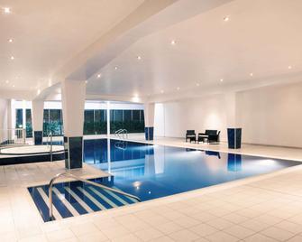 Mercure Cardiff Holland House Hotel & Spa - Кардіфф - Басейн