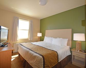 Extended Stay America Suites - Juneau - Shell Simmons Drive - Джуно - Спальня