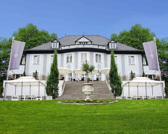 Villa Vera - Wetter - Building