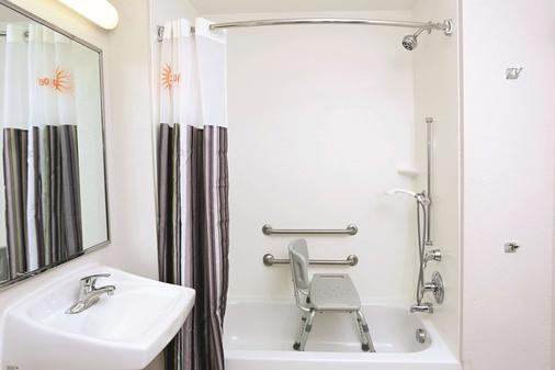 諾福克機場拉昆塔套房酒店 - 諾福克 - 諾福克 - 浴室