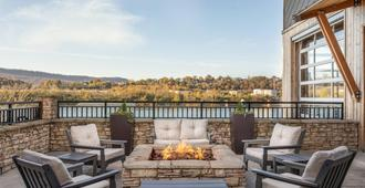 Springhill Suites Chattanooga Downtown/Cameron Harbor - Chattanooga - Balcony