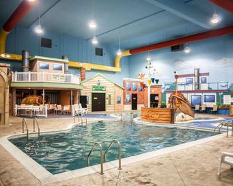 Sleep Inn & Suites Indoor Waterpark - Liberty - Zwembad