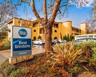 Best Western Dry Creek Inn - Healdsburg - Building
