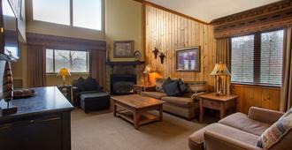 Bluegreen Vacations Blue Ridge Village an Ascend Resort - Banner Elk - Living room