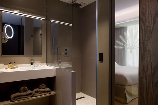 Hotel l'Arbre Voyageur, BW Premier Collection - Lille - Kylpyhuone