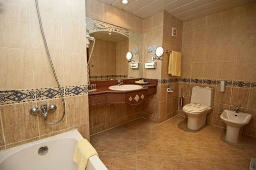 Sunrise Garden Beach Resort - Hurghada - Bathroom