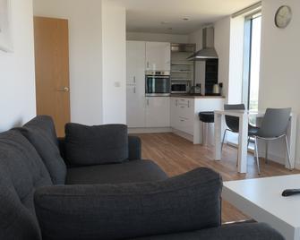 Quay Apartments - Salford - Wohnzimmer