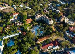 Hotel Tamarindo Diria Beach Resort - Tamarindo - Outdoor view