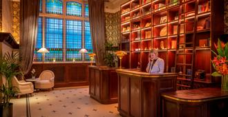 The Fleet - Dublin - Front desk