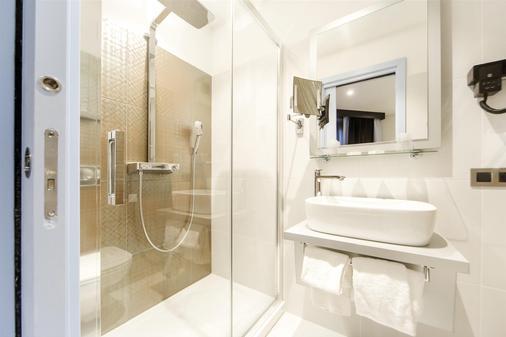 Best Western Richelieu Lyon Part-Dieu - Lyon - Bathroom