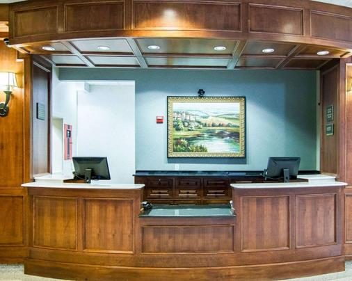 Liberty Hotel, an Ascend Hotel Collection Member - Cleburne - Front desk