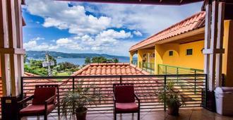 Altamont West Hotel - Montego Bay - Balkong