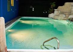 Altamont West Hotel - Montego Bay - Pool