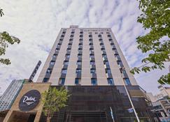 Dubai Hotel Gwangju - Gwangju - Building