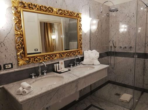 Cà Bonfadini Historic Experience - Venice - Bathroom