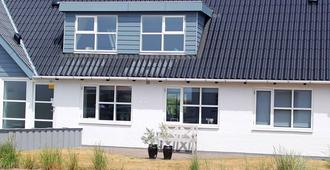 Enticing Holiday Home In Jutland By The Sea - Esbjerg - Bygning