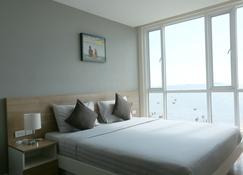 Bbg Seaside Luxurious Service Apartment - Chonburi - Bedroom