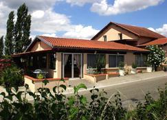 Hôtel Des Crêtes De Pignols - Moissac - Edificio