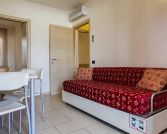 The Garda Village - Near Spiaggia Brema - Sirmione - Living room