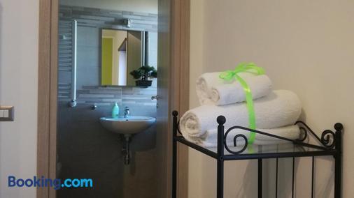 Bonsai Bed & Breakfast - Fiumicino - Bathroom