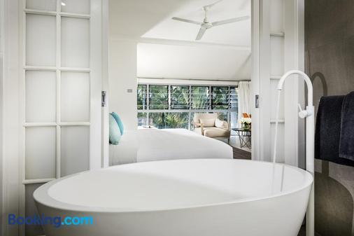 Mangrove Hotel - Broome - Bathroom