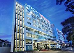 아스톤 트로피카나 호텔 앤드 플라자 - 반둥 - 건물