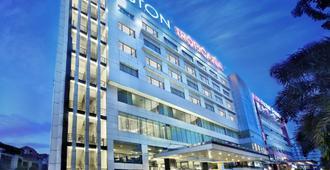 Aston Tropicana Hotel Bandung - Bandung - Rakennus