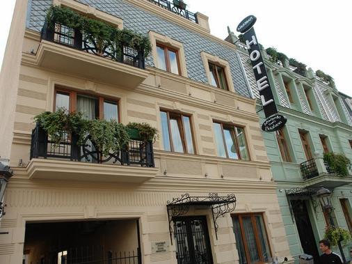 Hotel Brighton - Batumi - Toà nhà