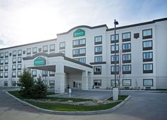 Wingate by Wyndham Calgary Airport - Calgary - Building