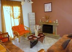 Villa Eleftheria - Karavomylos - Sala de estar